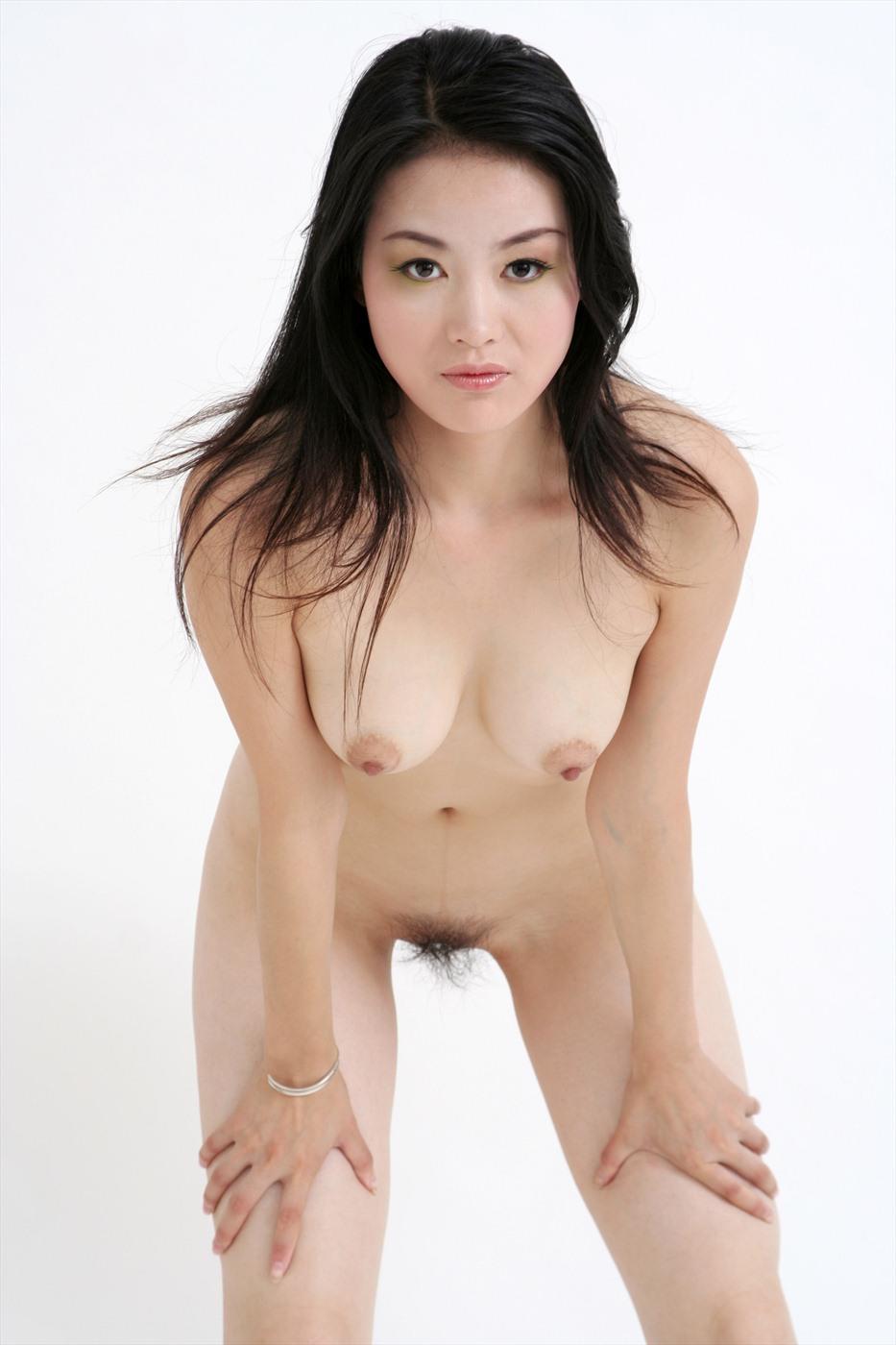 chinoise nue et poils